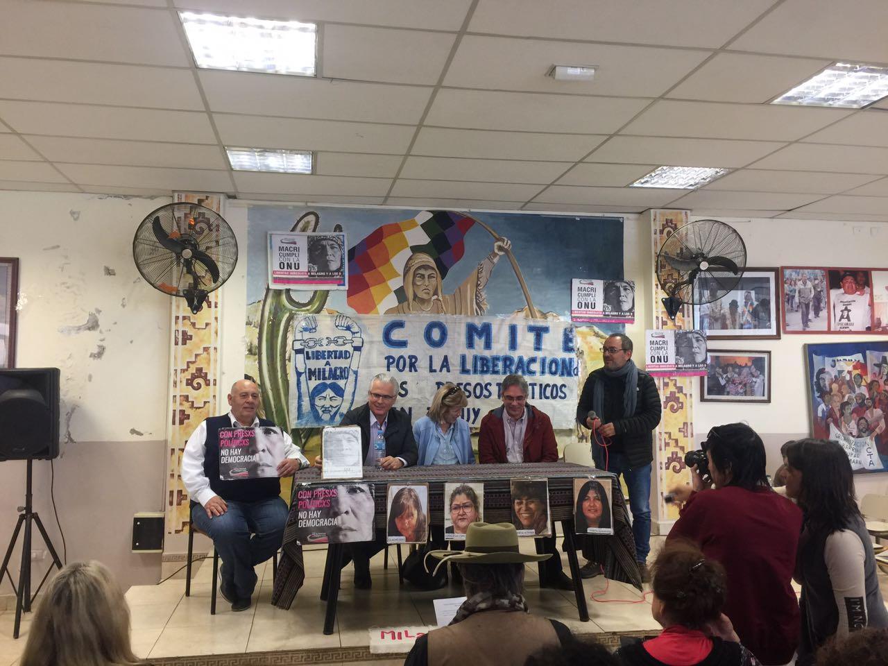 Castelucci junto a Baltasar Garzon en conferencia en la Tupac