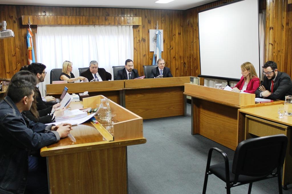 Foto juicio Flores