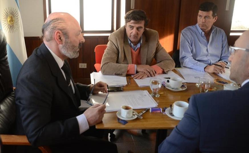 Dr Muchnik y consejeros