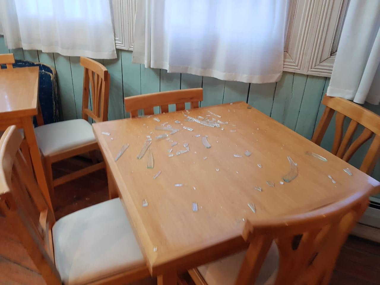 vidrios rotos en la beban