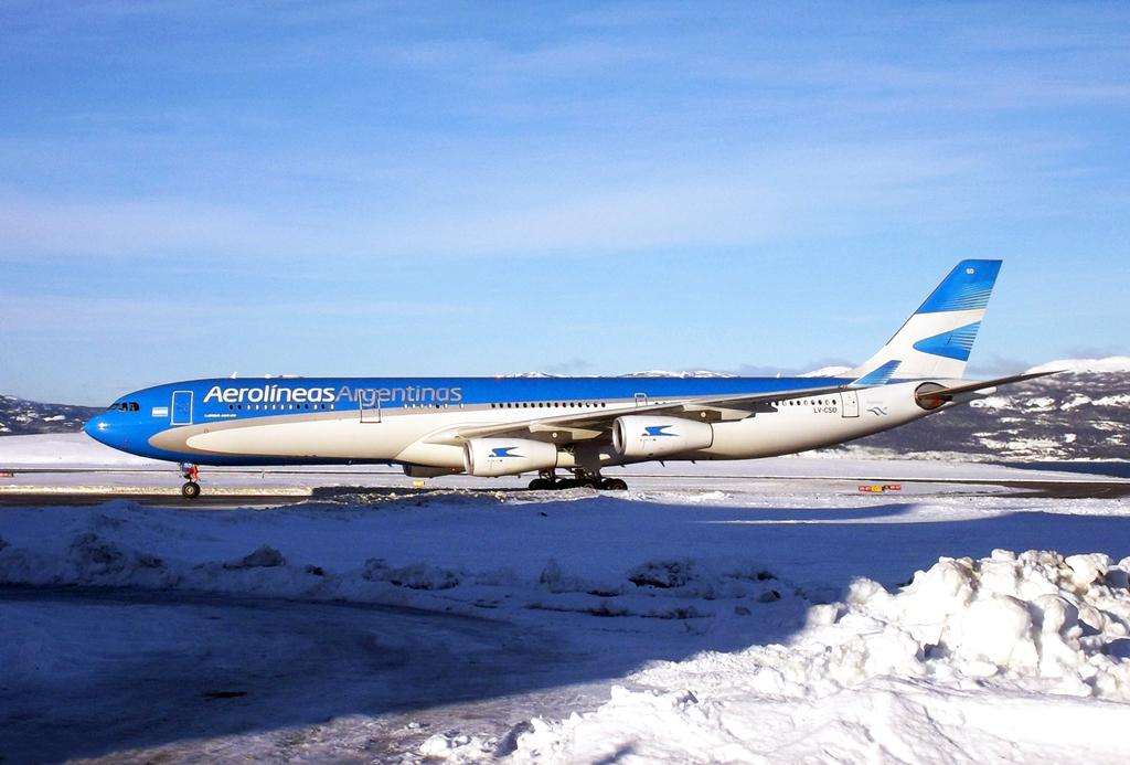 Aerolíneas_Argentinas_Airbus_A340-300X_LV-CSD